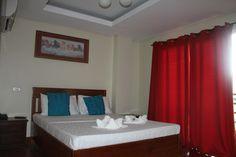 Aqua Travel Lodge Aqua, Bed, Travel, Furniture, Home Decor, Water, Viajes, Decoration Home, Stream Bed
