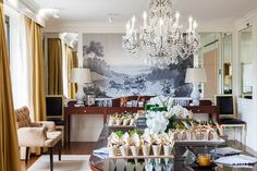 The Presidential Suite; woah pretty! i want this!