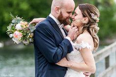 Hochzeitsfotos am Bodensee. Anfragen gerne über das Kontaktformular meiner Homepage. Mccall Idaho, On Your Wedding Day, Wedding Things, Mountain Resort, Wedding Film, Wedding Hair And Makeup, Wedding Planner, Wedding Hairstyles, Most Beautiful