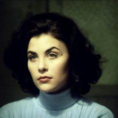 Sherilyn Fenn as Audrey Horne in Twin Peaks David Lynch Movies, Sherilyn Fenn, Audrey Horne, David Lynch Twin Peaks, Laura Palmer, Justiz, Portraits, Por Tv, Pale Skin