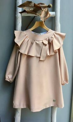 Sewing Blouse Kids 41 New Ideas Little Dresses, Little Girl Dresses, Vintage Girls Dresses, Baby Girl Fashion, Kids Fashion, Dress Anak, Moda Kids, Baby Frocks Designs, Baby Dress Design