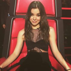 Sexy Hailee Steinfeld at the Voice Set