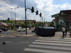 Karambol na Ruczaju. Sprawca nie ma pojęcia, co się stało [ZDJĘCIA] - Aktualności - LoveKraków.pl Street View