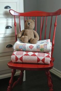 nice idea to display quilts