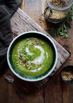 The best Super Pea & Mint Soup - Packed with green goodness (vegan)