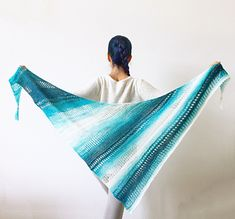 Stormy Waters is a younger sister of the beloved Stormy Sky Shawl. Every stitch of it is full of memories of long walks along the Pacific ocean. This wonderful lightweight wrap reminds me of the sea breeze ♡
