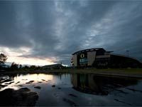 "Welcome to #Autzen, home of the Oregon Ducks, ""where great teams go to die"" ~ Best facilities in college sports ~"