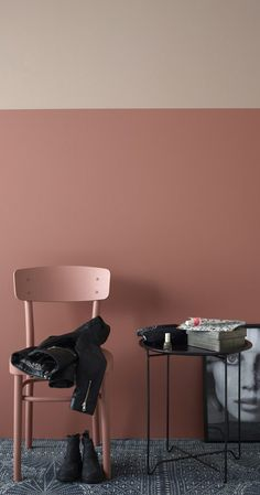 Fra barnerom til ungdomsrom – vi gir deg triksene Painted Floorboards, Half Painted Walls, Blush Walls, Interior Paint, Interior Design, Casa Real, Modern Kitchen Design, Wall Colors, Houses