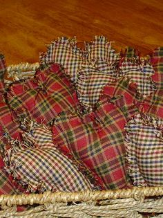 Homespun Hearts...includes pattern, these are so sweet!