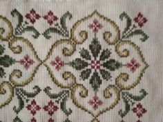 This Pin was discovered by Lar Cross Stitch Borders, Cross Stitch Flowers, Cross Stitch Designs, Cross Stitching, Cross Stitch Patterns, Beaded Embroidery, Cross Stitch Embroidery, Hand Embroidery, Embroidery Designs