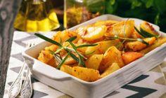 Prílohy Archives - Page 5 of 36 - Báječná vareška Baked Potato, Sweet Potato, Garlic Olive Oil, Huevos Fritos, Spanish Cuisine, Complete Recipe, Stuffed Green Peppers, Potato Recipes, Potato Salad