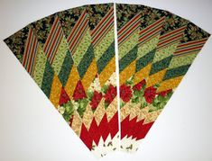 """Képtalálat a következőre: """"how to use a 9 degree wedge ruler"""" Bargello Patterns, Bargello Quilts, Christmas Sewing, Christmas Projects, Quilting Projects, Quilting Designs, Sewing Projects, Christmas Tree Skirts Patterns, Ribbon Quilt"""