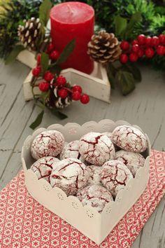 Blogue com receitas variadas, muitas fotos de comida e apontamentos de viagem. Jam Cookies, Brownie Cookies, Cookie Recipes, Dessert Recipes, Desserts, Party Sweets, Food Wishes, Bread Cake, Little Cakes