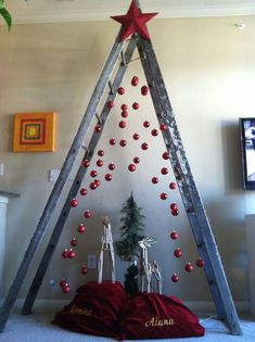 19 Amazing Modern Christmas Tree Design Ideas - Before After DIY Ladder Christmas Tree, Wooden Christmas Crafts, Creative Christmas Trees, Christmas Tree Design, Outdoor Christmas Decorations, Xmas Tree, Christmas Diy, Christmas Ornaments, White Christmas
