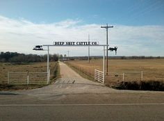 deep shit cattle co, Comanche, Texas . No humor like Texas humor. Comanche Texas, Texas Humor, Only In Texas, Redneck Humor, Loving Texas, Entry Gates, Other Countries, Ranch Style, Farm Life