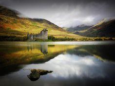 Il maestoso castello di Kilchurn a Loch Awe, Scozia