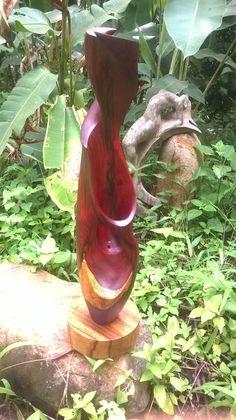Escultura abstracto madera de cocobolo. Abstract rosewood sculpture.