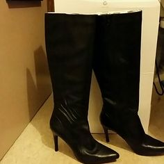 FINAL MARK DOWN*** Knee black leather boots New and  sexy...a good time out..still in box Nine West Shoes