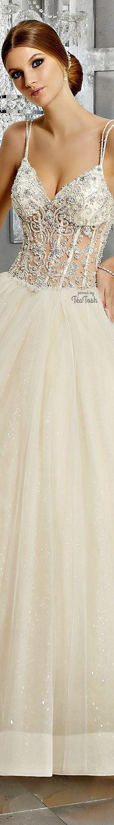 ❇Téa Tosh❇ (Front) Midori Wedding Dress Romantic Princess, Princess Wedding, Disney Wedding Dresses, Weeding Dresses, Formal Dresses, Older Bride, Sophisticated Wedding, Bridal Beauty, Dream Wedding
