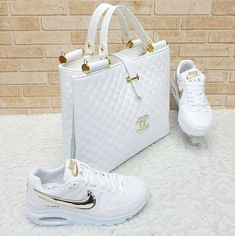 Hello,Today we bring to you 'Cooperate Handbags and Footwear's'. These Handbags and footwear are the Cute Shoes, Me Too Shoes, Sneakers Fashion, Fashion Shoes, Weird Fashion, Nike Air Shoes, Mode Outfits, Luxury Bags, Shoe Game