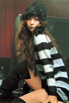Good Girl, Aesthetic Girl, My Wardrobe, Asian Beauty, Pretty Girls, Fur Coat, Singer, Long Hair Styles, Yahoo