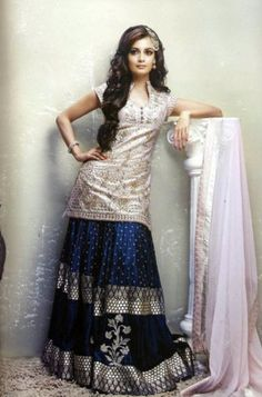 Long shirt, full lehnga.  Simple yet elegant, yes!