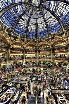 Galerie Lafayette Paris, this place is freaking AMAZING