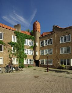 Piet Kramer en M. de Klerk, woningbouwvereniging De Dageraad, Amsterdam 1918-1923