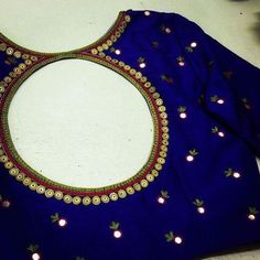 Blouse back neck designs - The Handmade Crafts Saree Blouse Neck Designs, Simple Blouse Designs, Stylish Blouse Design, Bridal Blouse Designs, Easy Designs, Mirror Work Blouse Design, Mirror Work Saree Blouse, Designer Blouse Patterns, Making Ideas