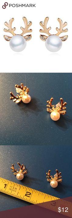 Faux Pearl Deer Horn Stud earrings Faux pearl deer horn stuff earrings - gold tone. Bundle discount available. No trades. Jewelry Earrings
