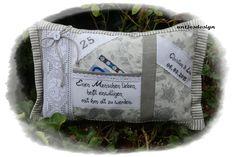 Geldgeschenk Silberhochzeit mit Namen - Kissen  von Antjes Design auf DaWanda.com