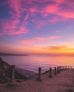 Soo_Lazy shared a photo from Flipboard Beautiful Sunset, Beautiful World, Beautiful Places, Image Nature, Nature Pictures, Amazing Nature, Pretty Pictures, Land Scape, Beautiful Landscapes