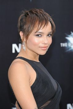 Zoe Kravitz Layered Razor Cut - Click image to find more Hair & Beauty Pinterest pins