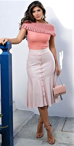 53 Bottom Outfits To Add To Your Wardrobe - Luxe Fashion New Trends - - 53 Bottom Outfits To Add To Your Wardrobe – Luxe Fashion New Trends office wear 53 Bottom Outfits To Add To Your Wardrobe African Fashion Dresses, African Dress, Elegant Outfit, Classy Dress, Modest Fashion, Fashion Outfits, Womens Fashion, Skirt Outfits, Dress Skirt