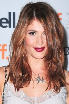 Gemma Arterton looking like an absolute babe. Love everything about this look! Great fall hair color.