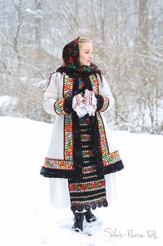 Sheepskin coat with floral embroidery. Modern day design by my grandfather based on antique traditional fashion from Năsăud. Traditional Fashion, Traditional Dresses, Beautiful Hijab, Beautiful Outfits, Aztec Culture, Russian Fashion, Folk Costume, Female Images, Vintage Outfits