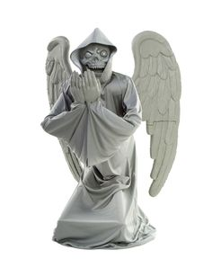 Cemetery Angel - Your guests will be praying for the end when you decorate your haunted graveyard with this Cemetery Angel. The kneeling reaper is disguised as a cryin Halloween 2013, Halloween Birthday, Halloween Cosplay, Holidays Halloween, Scary Halloween, Modern Halloween, Halloween Stuff, Spirit Halloween Animatronics, Haunted Graveyard