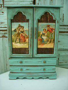Shabby Jewelry Box - Romantic - Gypsy - Lovers - Beach Cottage - Romance - Love.