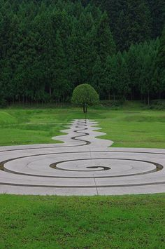 Not a true Labyrinth but so elegantly designed it would still be a pleasure to walk in it.