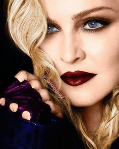 Welcome to My Life and Everything Around it. Madonna Fashion, Lady Madonna, Madonna Art, Michigan, Veronica, Divas, Classic Image, Music Pictures, Simply Beautiful