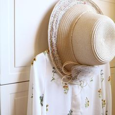 Straw Hats, Camellia, Cottage, Country, Home, Rural Area, Cottages, Ad Home, Country Music