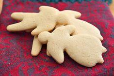Snadder uten gluten: Deilige og myke kakemenn Sweets, Snacks, Cookies, Desserts, Christmas, Food, Crack Crackers, Tailgate Desserts, Xmas