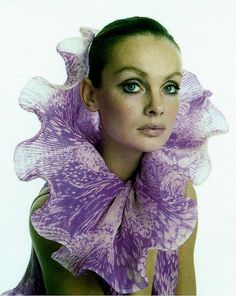 Jean Shrimpton in Pierre Cardin, photo Avedon, 1970