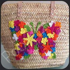 Hand Lettering Tutorial, Diy Tote Bag, Arts And Crafts, Diy Crafts, Love Crochet, Artisanal, Clutch Bag, Straw Bag, Wicker