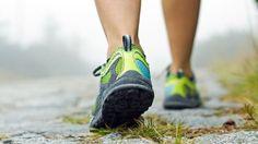 Para você que vai aproveitar o final de semana para fazer uma caminhada. Nova pesquisa revelou que caminhar faz tão bem à saúde quanto correr.