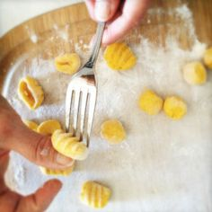 pumpkin ricotta gnocchi by the chiappas . And it so much easier than I thought Rice Recipes, Pasta Recipes, Walnut Sauce, Pumpkin Gnocchi, Ricotta Gnocchi, Good Food, Yummy Food, Fresh Pasta, Good Enough To Eat