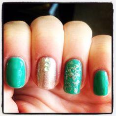 Nail art; green and gold.