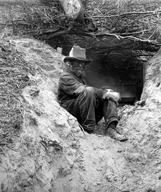 gold mines of the old west | An old Arizona prospector and his mine in the Arizona desert.