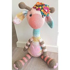This Super cute baby giraffe can't wait to meet her new family Knitted Dolls, Crochet Dolls, Crochet Yarn, Giraffe Toy, Giraffe Pattern, Giraffe Crochet, Crochet Animals, Crochet Patterns Amigurumi, Amigurumi Doll