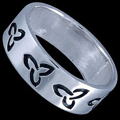Silver ring, band Silver ring, Ag 925/1000 - sterling silver. A band with a leaf pattern.